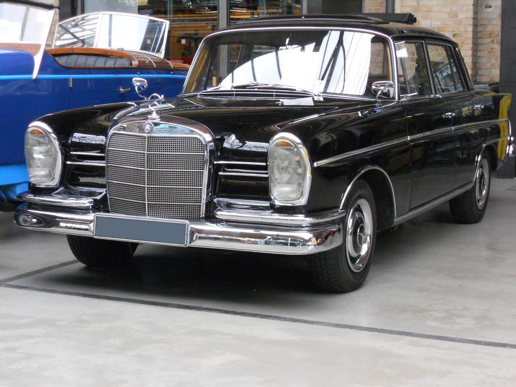 1963 Mercedes W111 Partsopen