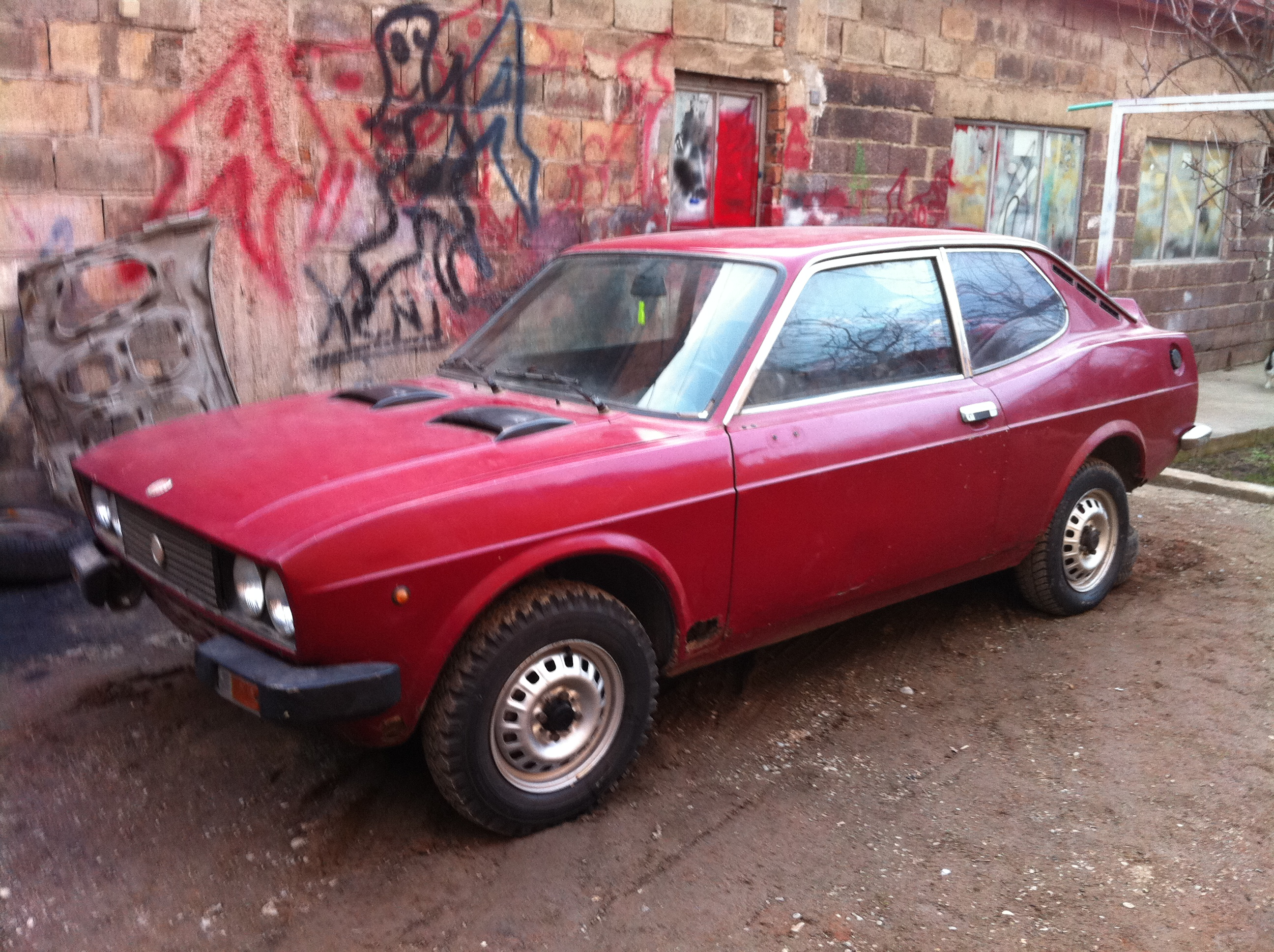 ... src; Download Photo. 1974 FIAT 128 Coupe