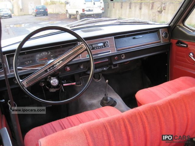 1980 GAZ M24 Volga