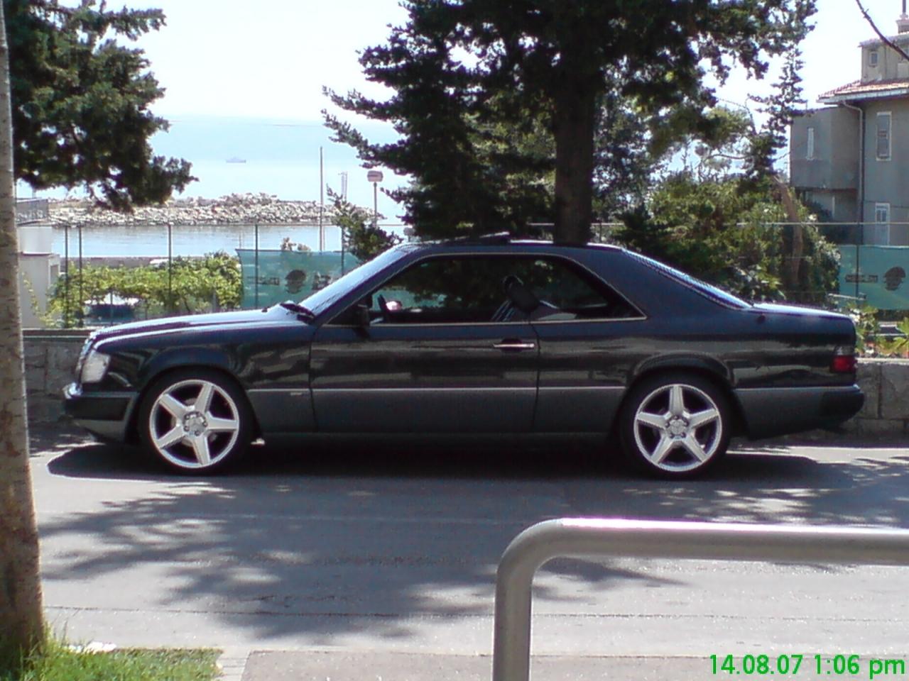 1990 Mercedes-Benz 300-Class