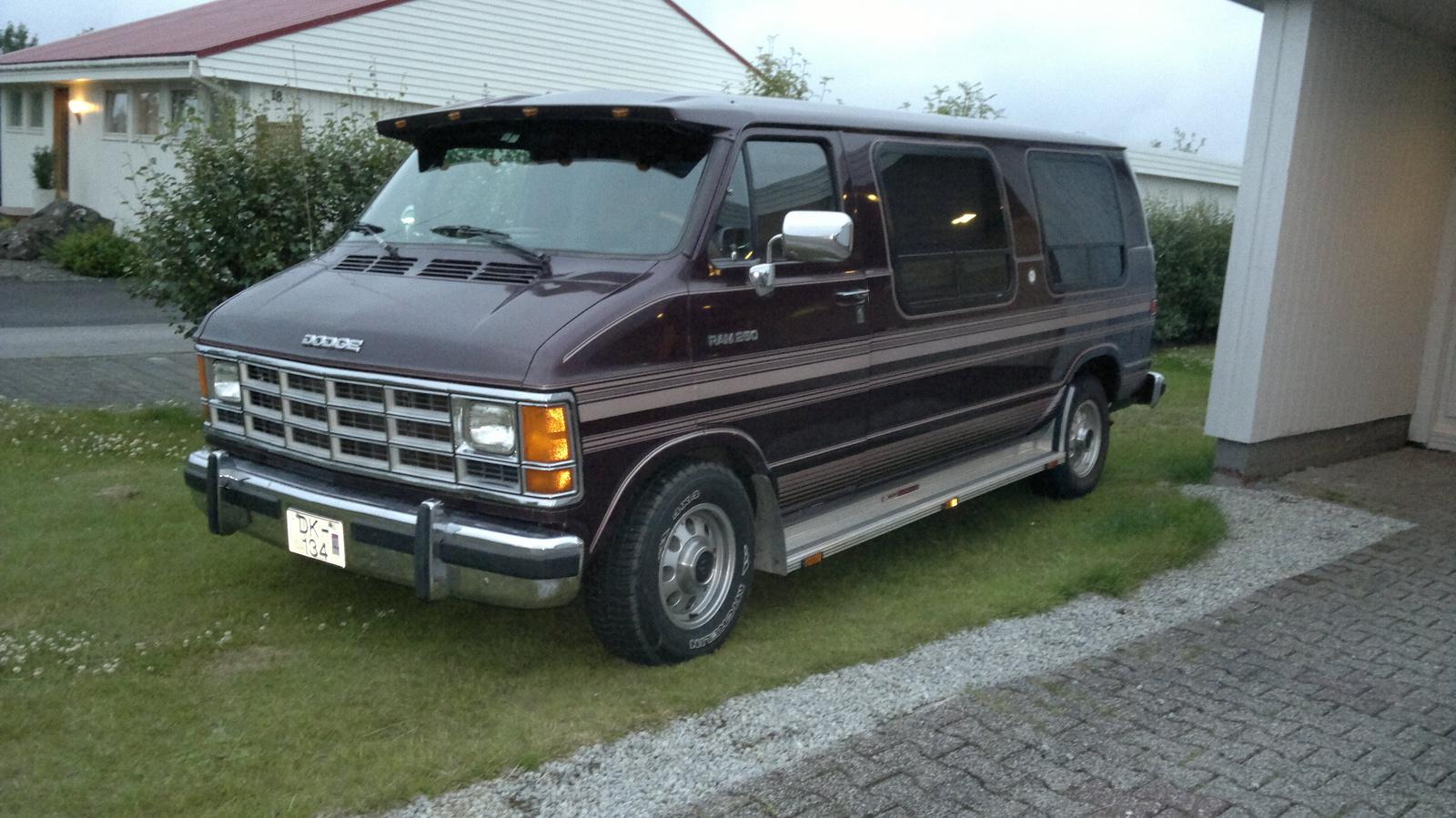 1993 Dodge Ram Van