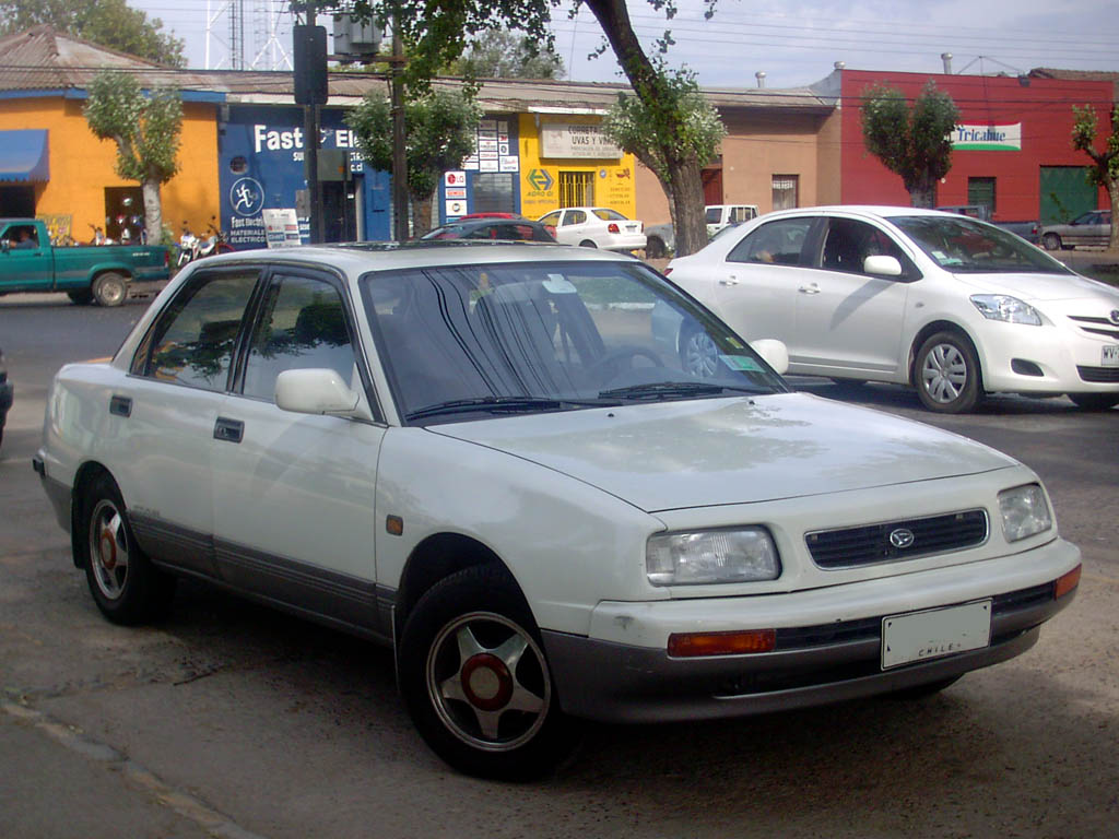 1995 Daihatsu Applause