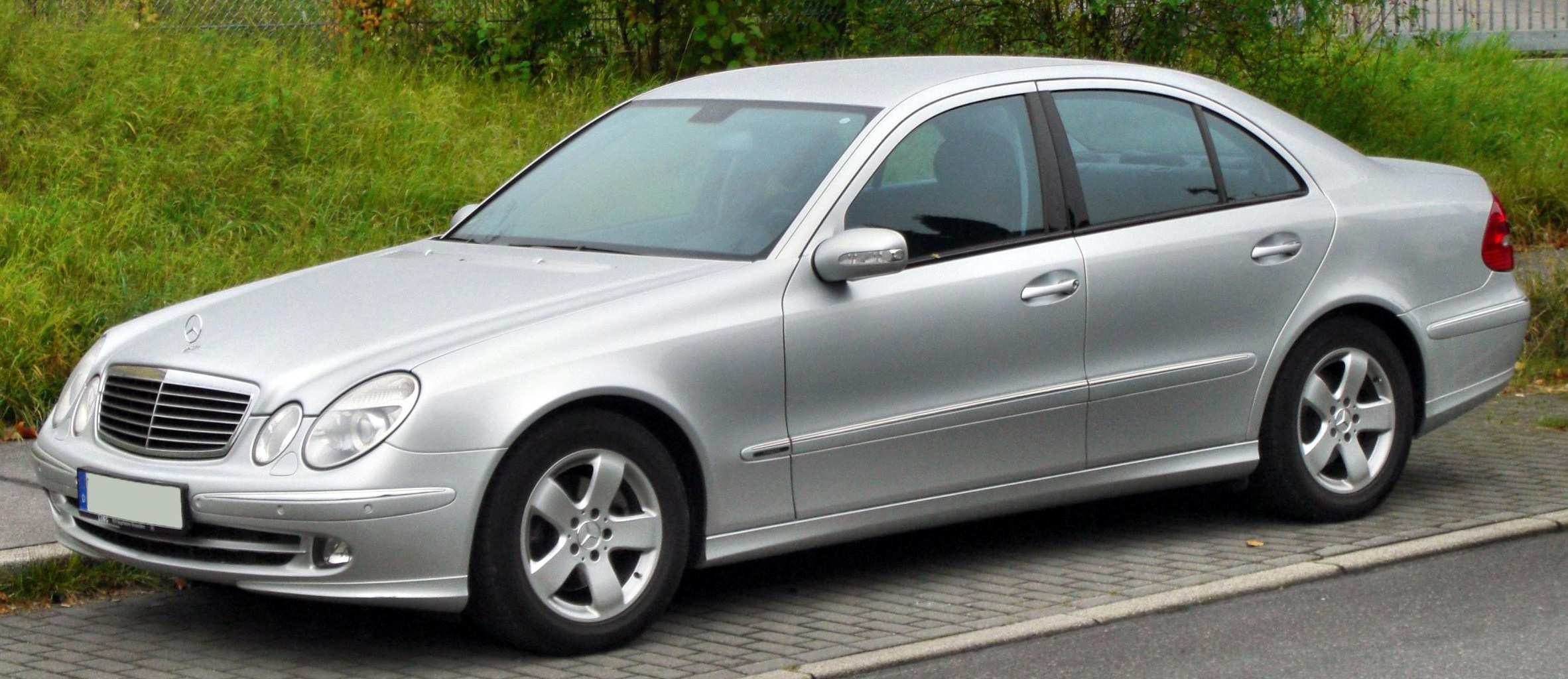 Mercedes benz e klasse amg partsopen for Mercedes benz e klasse