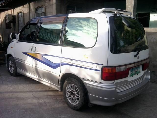 1999 Nissan Serena