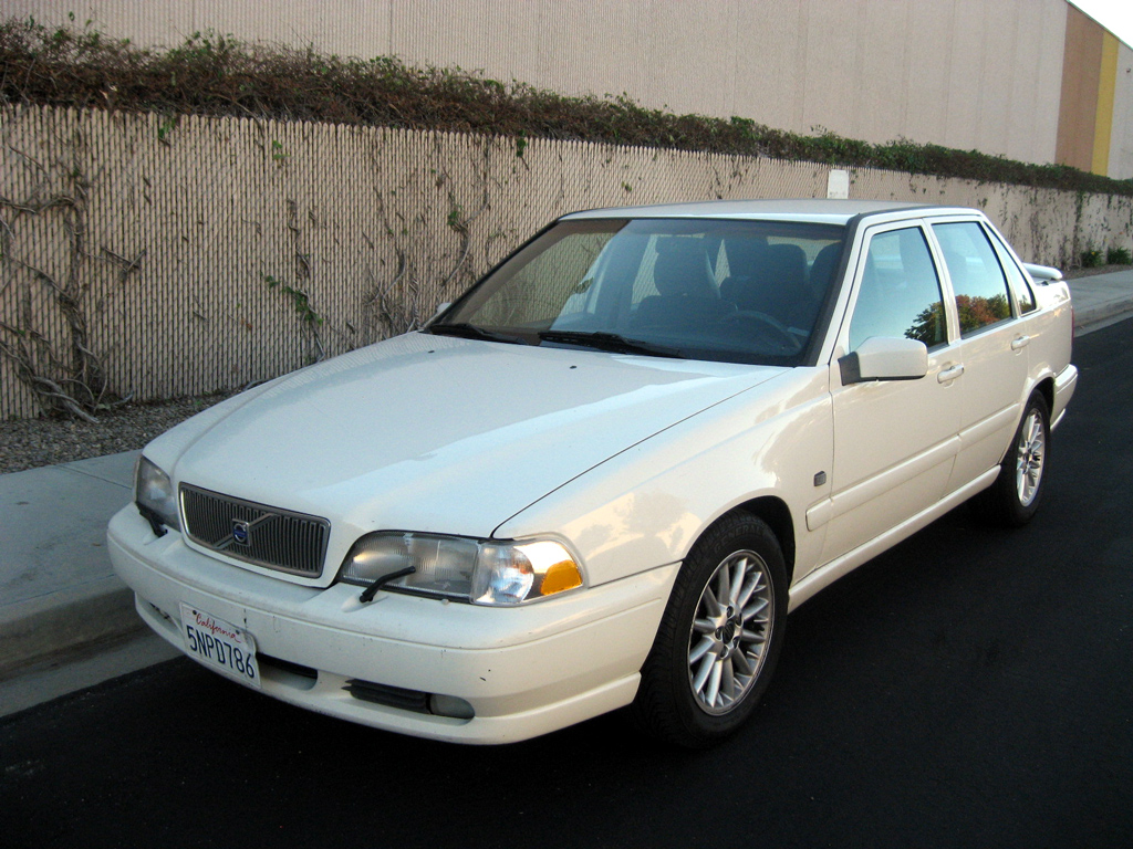 Download all volvo s70 1999 pictures 2 6 mb