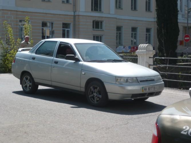 2000 Lada 110