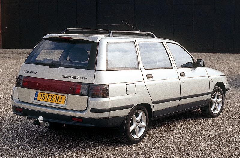 2000 Lada 111