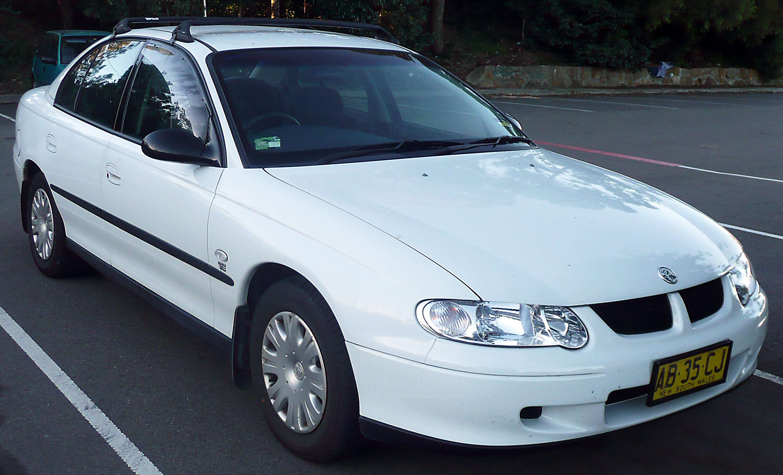 2002 HOLDEN Commodore Sedan