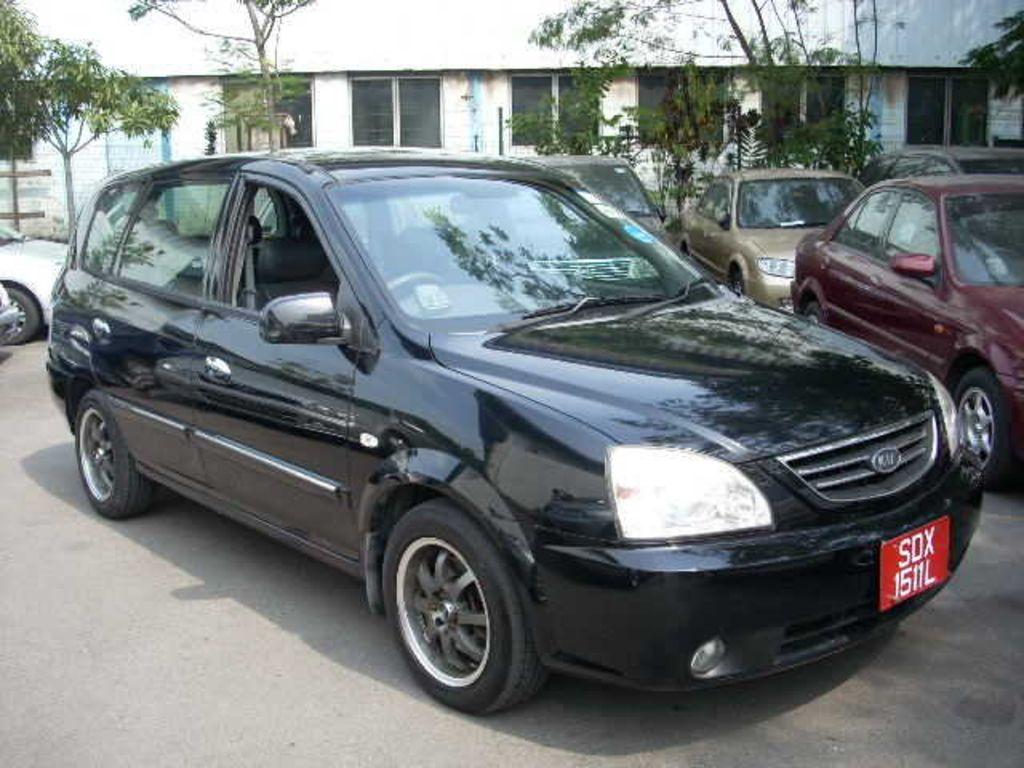 2002 Kia Carens