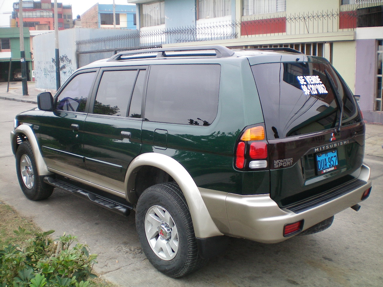src download photo 2003 mitsubishi montero
