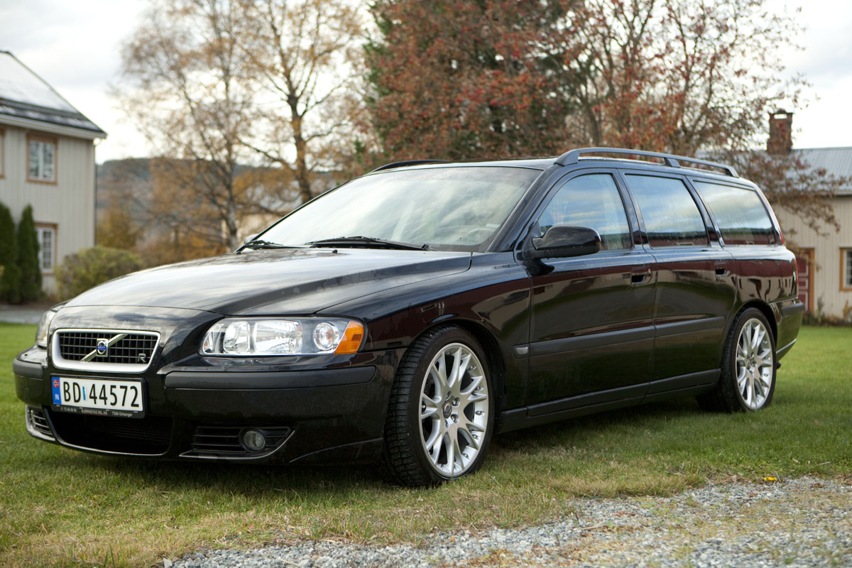 Download all volvo v70 2003 pictures 1 4 mb