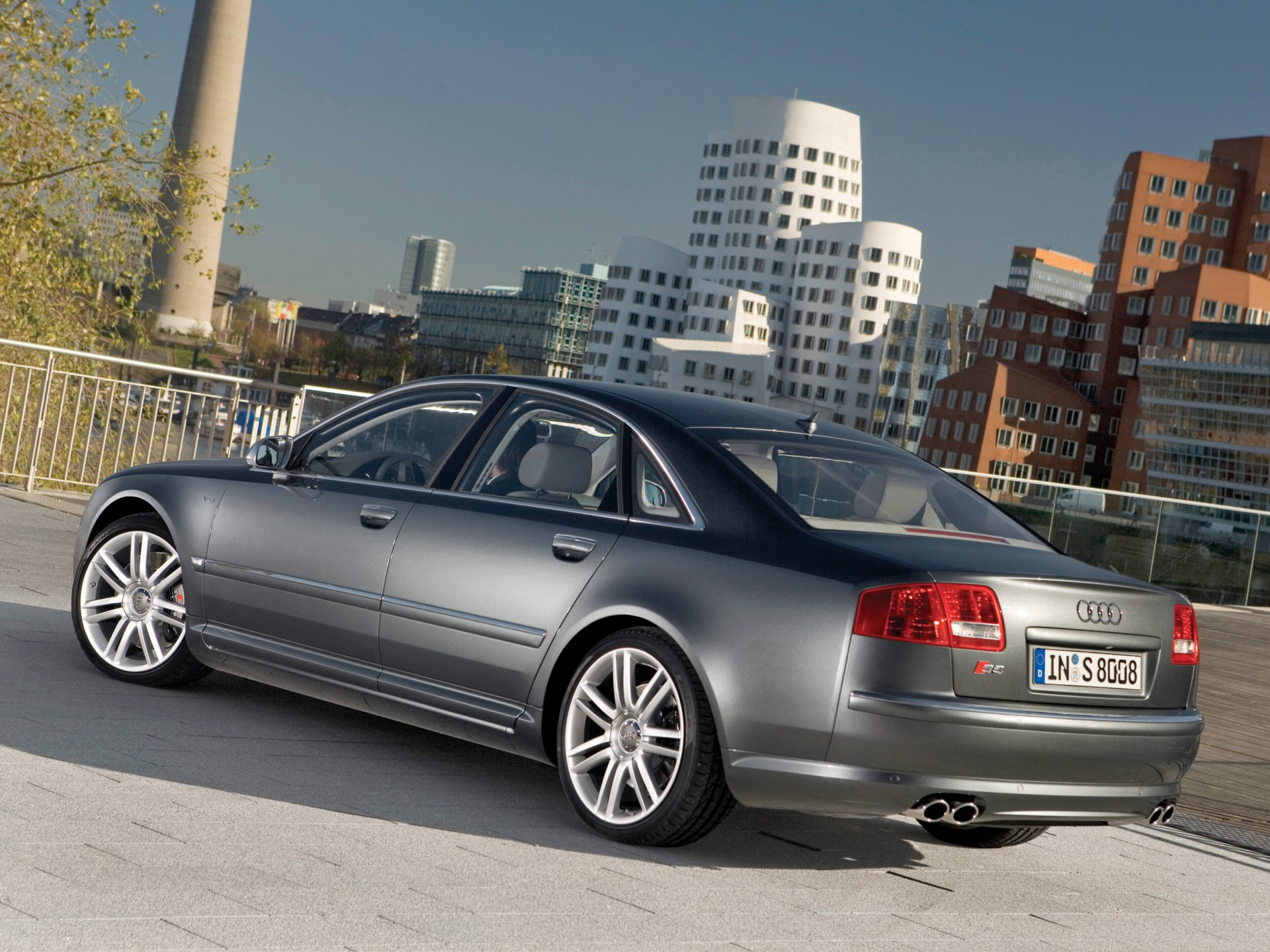 Download all audi s8 2007 pictures 3 1 mb