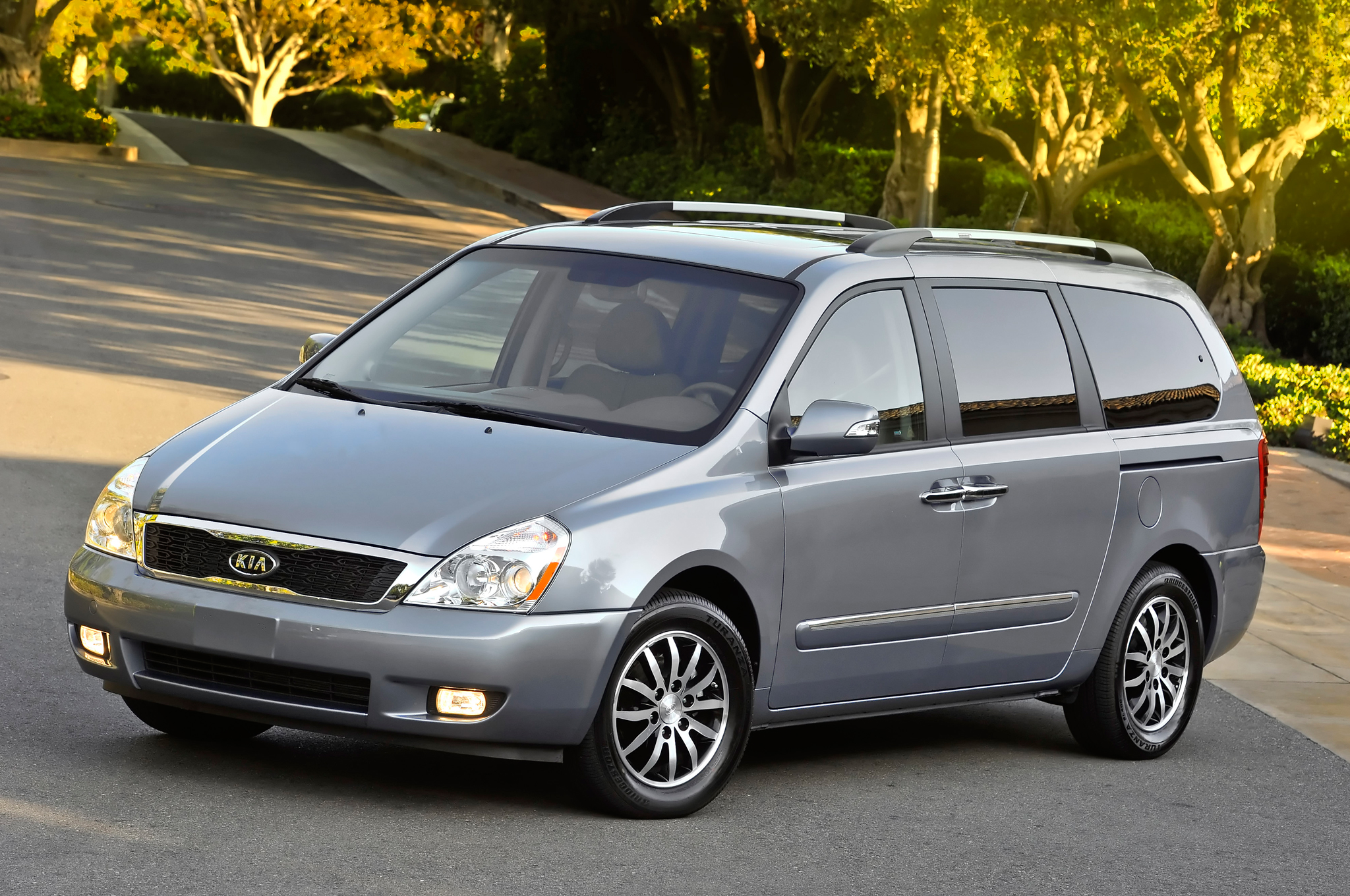 Download all kia sedona 2008 pictures 3 8 mb