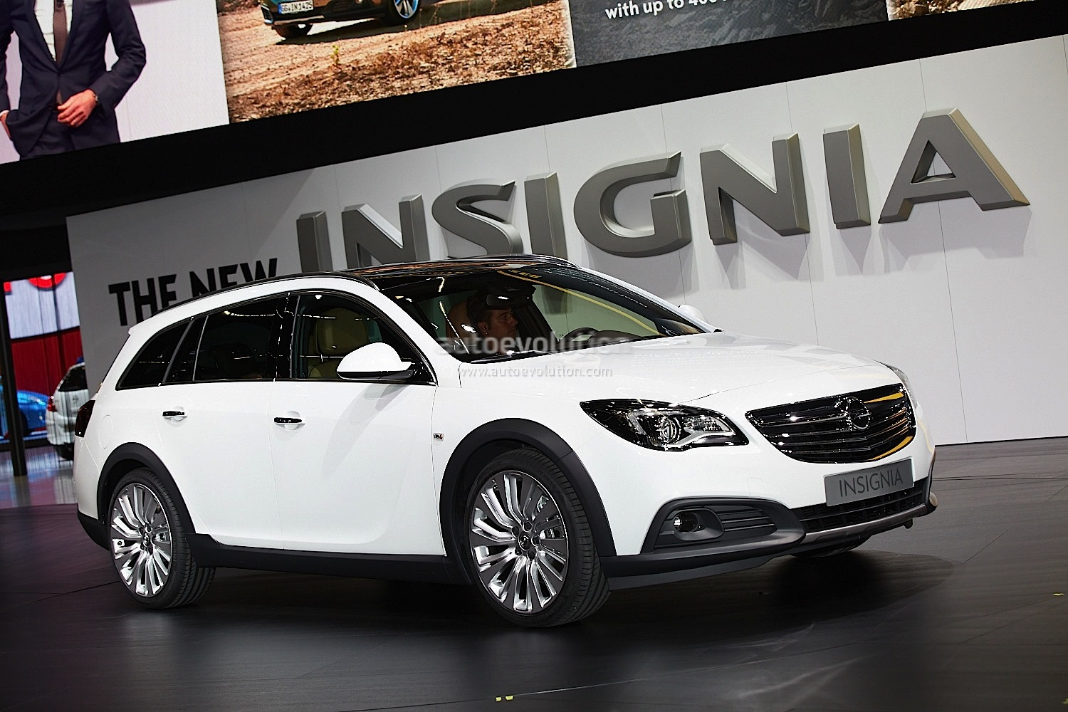 opel insignia country tourer partsopen. Black Bedroom Furniture Sets. Home Design Ideas