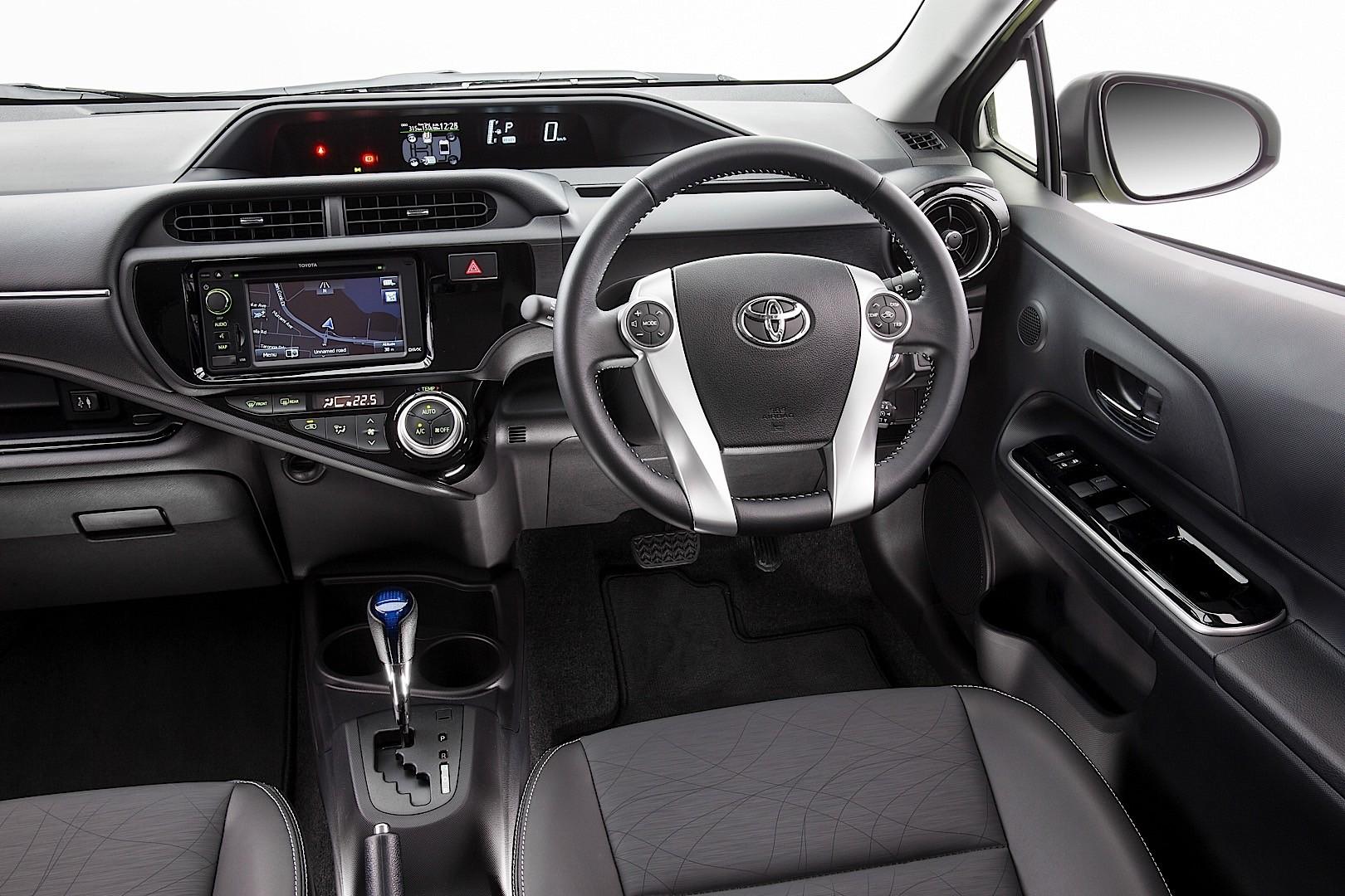 2015 Toyota Prius C (Aqua) - Partsopen